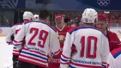 Lukaşenko, Koronaya Rağmen Hokey Maçına Çıktı