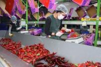 AHMET KAYA - Antalya'da Seralarda Sebze Üretimi Hız Kesmeden Devam Ediyor