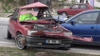 PAMUKKALE ÜNIVERSITESI - Denizli'de Trafik Kazası Açıklaması 1 Ölü, 2 Yaralı