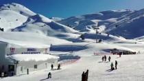 KAYAK MERKEZİ - Denizli Kayak Merkezi 100 Günde 200 Bin Ziyaretçiyi Ağırladı