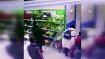 GÜVEN TİMLERİ - İstanbul'da Aranan Yaşı Küçük Hırsızlık Şüphelisi Yakalandı
