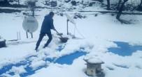 KAR KALINLIĞI - Siirt'te Martın Sonunda Yağan Kar Köylüleri Şaşırttı