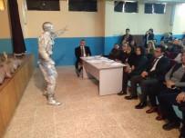 Selendi'de Öğrenciler Mehmet Akif Ersoy'un Şiirleriyle Yarıştı