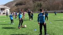 Artvin'de Trabzonspor Futbol Okulları'na Yoğun İlgi