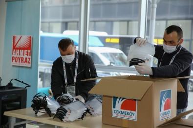 Çekmeköy'de Siperli Maskeler Sağlık Görevlilerine Teslim Edildi