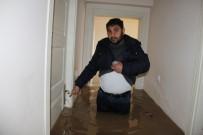 MEHMET YıLDıZ - Diyarbakır'da Sağanak Yağış Nedeni İle Evler Su Altında Kaldı