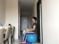 SİVAS VALİSİ - Karantinadaki Öğrencilere Pilates Topu