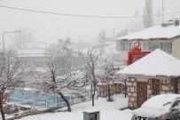 KAR KALINLIĞI - Nisan Ayında Kar Yağışı