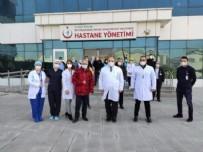 TEDAVİ SÜRECİ - 64 yaşındaki Prof. Dr. Özyaral koronavirüsü yendi