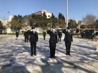 Ayvacık'ta Sosyal Mesafeli Çelenk Töreni