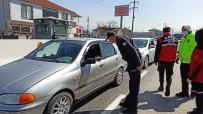 Polislere Uygulama Noktasında Sürpriz Yaptı