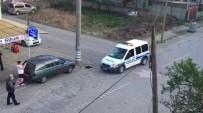 Kavga İhbarına Giden Polislere Çiçekli Karşılama