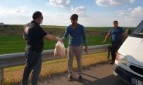 Şanlıurfa'da Yolda Kalan Sürücünün İmdadına Ekipler Yetişti