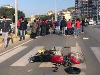 ALAADDIN KEYKUBAT - Alanya'da Otomobille Motosiklet Çarpıştı Açıklaması1 Ağır Yaralı