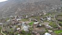 KÖY MUHTARI - Artvin'de Köy Muhtarlığı Kendi Karantinasını Oluşturdu