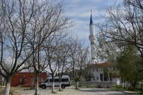 FUTBOL SAHASI - Çapaçarık Camii Ve Çevresi Çalışmalarında Sona Yaklaşılıyor