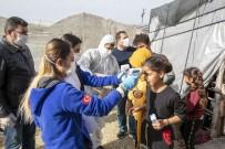 SAĞLIK TARAMASI - Mersin'de 800 Tarım İşçisinin Ateş Ölçümü Ve Genel Sağlık Taraması Yapıldı