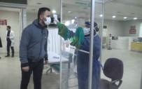 KALDIRIMLAR - Sağlık Çalışanlarına Kabinli Tedbir