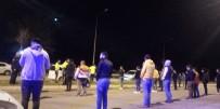 DOĞUM GÜNÜ PARTİSİ - Akıllanmıyoruz! Dansözlü partiye baskın