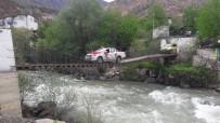 Asma Köprüde 23 Nisan Konvoyu