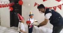 Derik Polisinden 23 Nisanda Doğan Çocuklara Sürpriz Doğum Günü Kutlaması