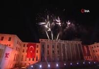 İSTIKLAL MARŞı - 100.yıla yakışır inanılmaz gösteri!
