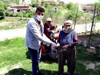 Yaşlı Kadından 5 Bin Liralık Bağış