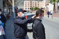Emniyet Müdürü Vatandaşa Maske Ve Maske Aparatı Dağıttı