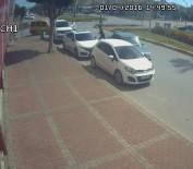 ÇEKIM - Drift Atan Ehliyetsiz Genç, Polisi Görünce Kontak Anahtarını Bile Almadan Aracı Bırakıp Kaçtı
