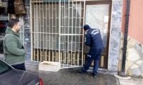 İTFAİYE ARACI - Edremit'te İtfaiye Ekipleri Mahsur Kalan Hayvanları Kurtardı