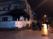 YENIKENT - Evinin Alt Katında Yangın Çıktı, Karantinada Tutulan Vatandaş Polis Eşliğinde Olay Yerine Getirildi