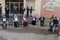 ABDULLAH DEMIR - HDP Önündeki Ailelerin Evlat Nöbeti 214'Üncü Gününde