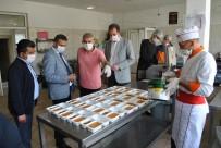 Sarıcakaya'da Belediye Ve Kaymakamlıktan Yaşlı Vatandaşlara İftarda Sıcak Yemek İkramı