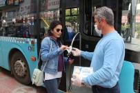 MUHITTIN BÖCEK - Antalya'da Toplu Taşımayı Kullananlara Ücretsiz Maske Dağıtılıyor