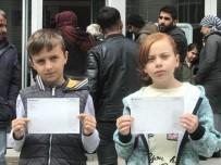 İkiz Kardeşler, Tablet Almak İçin Topladıkları Paraları 'Biz Bize Yeteriz' Kampanyasına Bağışladı