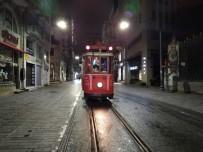 TAKSIM MEYDANı - Beyoğlu Nostaljik Tramvay Son Seferini Yaptı