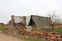 DINDAR - Çöken Kerpiç Evin Altında Kalarak Hayatını Kaybeden Kardeşler Toprağa Verildi