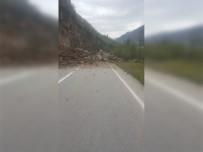 TOPRAK KAYMASI - Giresun-Gümüşhane Karayolu Heyelan Sebebiyle Ulaşıma Kapandı