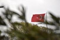 SARAYBURNU - İstanbul'da Fırtına Etkili Oluyor