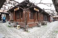 ÇILINGIR - (Özel) Bir Umutla Dükkanlarını Açıyorlar