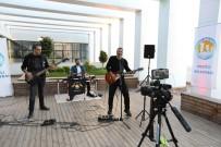 YıLBAŞı - Sosyal Medya Üzerinden Evde Rock Müzik Konseri