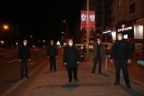 ATATÜRK BULVARI - Talas'ta Ana Arterlerdeki Direklere Işıklı Türk Bayrağı Yapıldı