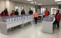 GENÇLİK MERKEZİ - Aydın Gençlik Merkezi Sağlıkçılar İçin Ürettiği İlk Siperlikleri Teslim Etti