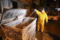 BUCA BELEDİYESİ - Buca'da Her Gece Konteynerler Temizleniyor