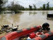 CEYHAN - Ceyhan Nehri'ne Düşen Adam Bulunamadı