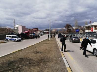 Salı Pazarında Silahlı Kavga Açıklaması 1 Yaralı