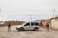 SAĞLIK TARAMASI - Van'da Bir Mahalle Daha Karantinaya Alındı