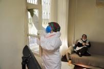 ŞEHITKAMIL BELEDIYESI - Yaşlıların Evlerini Özel Kıyafetli Ekipler Temizliyor