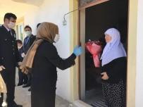 Seyitgazi Kaymakamı Baytak, Şehit Annelerini Evlerinde Ziyaret Etti
