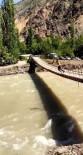 Serinlemek İçin Asma Köprüden Çoruh Nehrinin Azgın Sularına Atladı